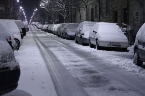 1280px-Snowy_street_in_Madrid_(Spain)_01